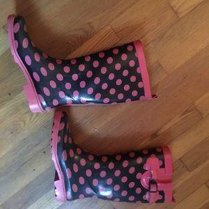 Shoes - Pink and black polka dot rain boots